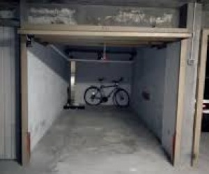 Garage sous sol d'un immeuble - Photo 1